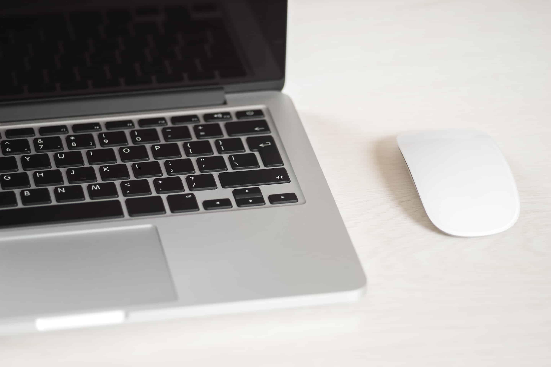 Dator med datormus